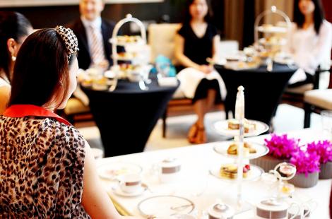 hostess-etiquette-courses_2